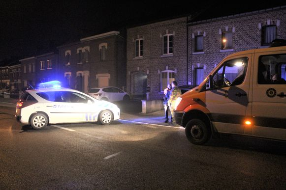 Maandagavond kwamen de politie en Dovo massaal ter plaatse