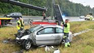 Bestuurder gaat van de weg en ramt signalisatiebord A12