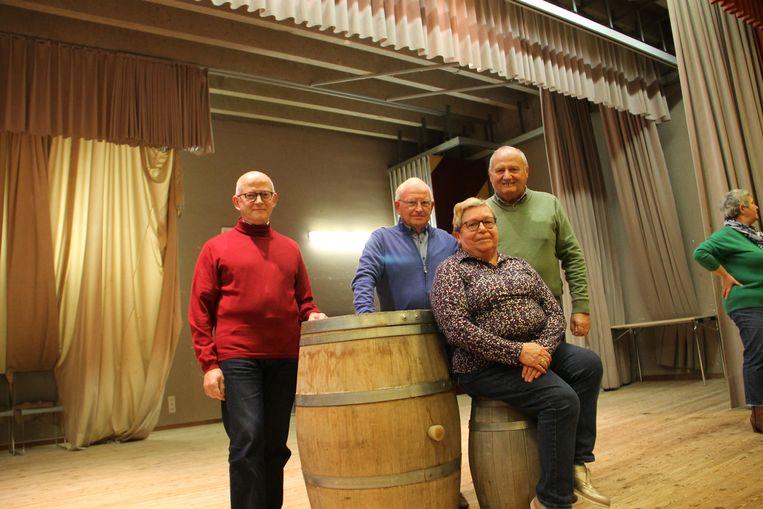 Chris Vergote, Raymonde Kesteloot, Luc Demeere en Katelijne Vervaeke van De Karels blikken terug op het 70-jarig bestaan van de toneelgroep.