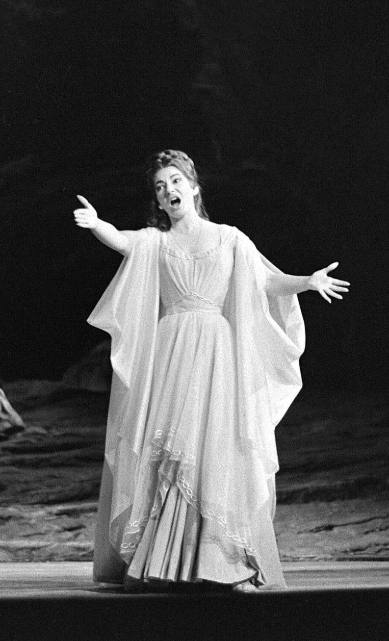 Maria Callas op het podium in 1964. Beeld afp