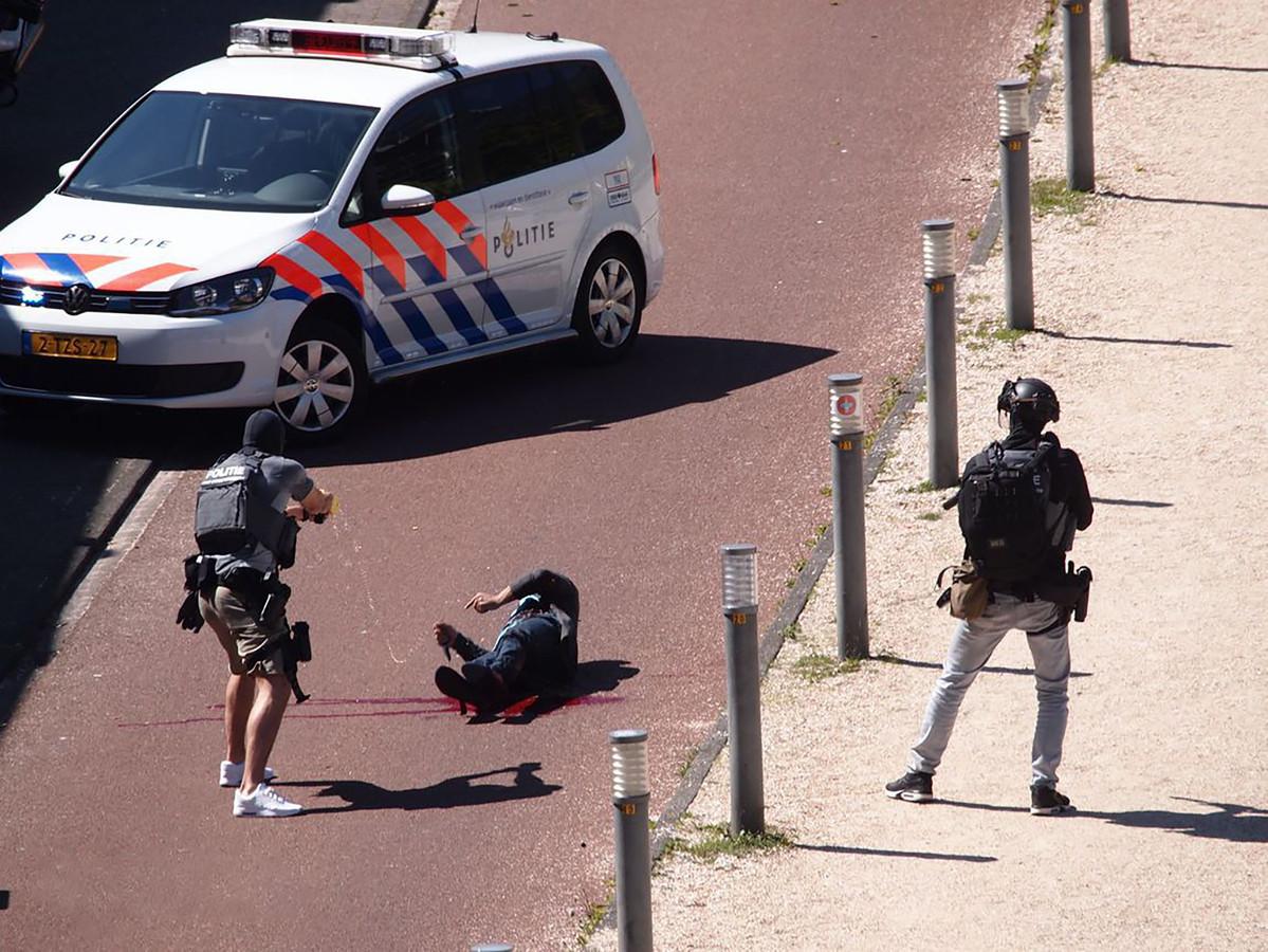 Malek F. is neergeschoten door de politie Den Haag. De dader werd onder meer met een taser bewerkt.