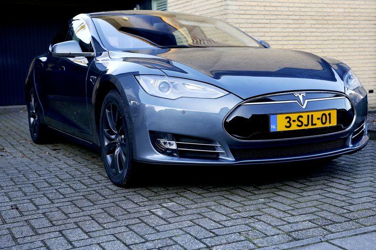De Tesla. Volgens fabrikanten 'een rijdende computer'. Beeld anp