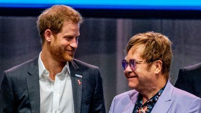 Elton John verdedigt prins Harry en Meghan Markle