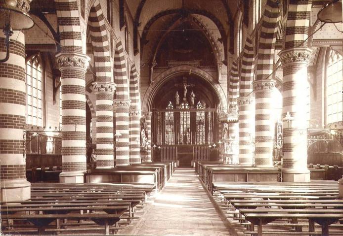 Martinuskerk in Princenhag. Het prachtige neogotische interieur van 1873, een schepping van de vermaarde architect Pierre Cuypers.