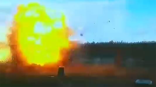 De Russische wapenfabrikant voerde onder meer simulaties uit waarbij delen van vliegtuigen werden opgeblazen om onder meer de hoek van inslag van de raket te bepalen.
