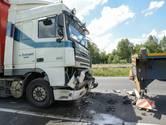 Twee rijstroken dicht op A16 na ongeval met vrachtwagens