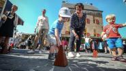 Flashmob met 100 metronomen op wekelijkse marktdag