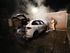 Porsche gaat in vlammen op in Eindhoven