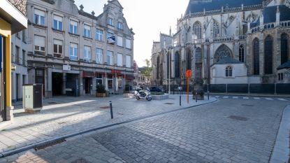 Beschermd gebouw met café 't Glazen Huys staat te koop