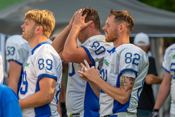Arnhem Falcons verslagen in de halve finale van de play offs om de landstitel door Lelystad Commanders. Geen 'thuiswedstrijd' bij de Tulip Bowl in Arnhem.