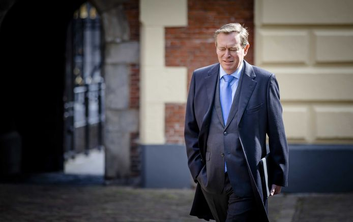 Minister Bruno Bruins voor Medische Zorg (VVD) heeft fabrikanten al verplicht transparant te zijn over dreigende medicijntekorten