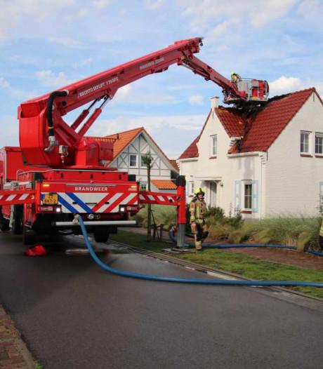 Brand door blikseminslag op Noordzee-Residence bij Cadzand-Bad