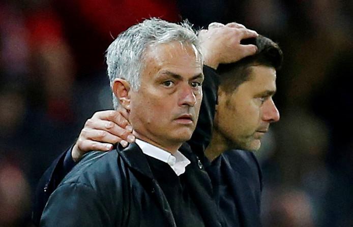 José Mourinho met zijn voorganger Mauricio Pochettino.