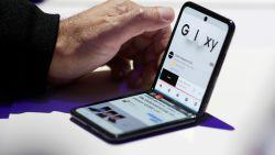 Samsung Galaxy Z Flip: Sexy, lenig en een beetje dik