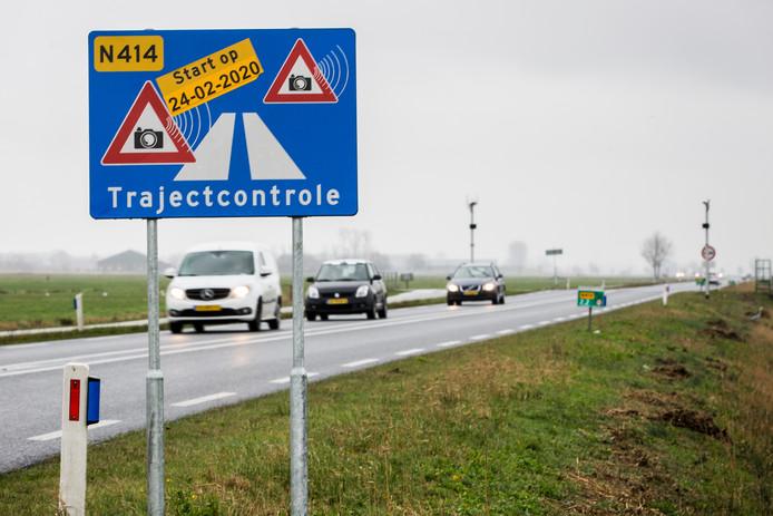 Op de N414 werd onlangs de eerste regionale trajectcontrole ingevoerd, om de snelheid van 80 kilometer te kunnen waarborgen.