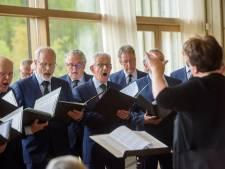 Concert Veldhovens Mannenkoor bij natuurbegraafplaats Heeze: 'De drempel is verlaagd'