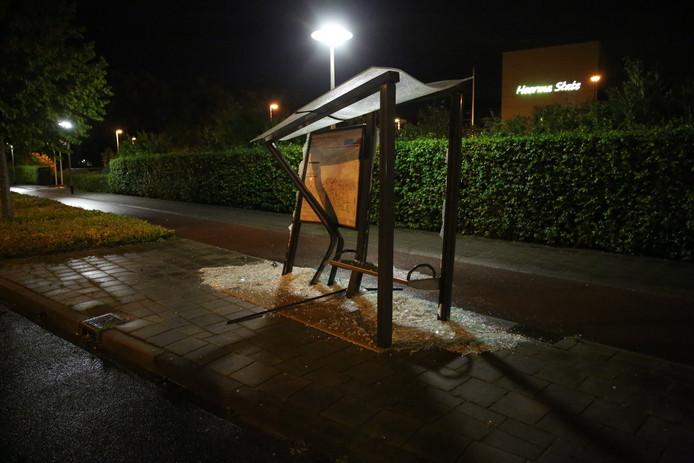 Bushokje vernield in Roosendaal.