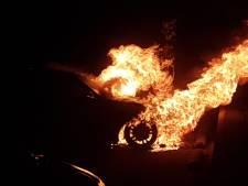 Spiksplinternieuwe BMW gaat in Hengelo in vlammen op