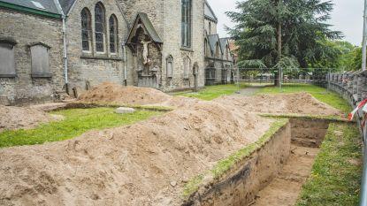 Stadsarcheologen vinden reeks grafkelders aan kerk van Mariakerke