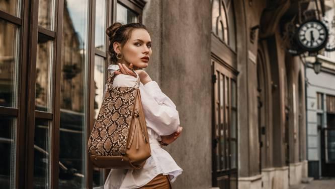 10 opvallende handtassen die jouw herfstgarderobe compleet maken