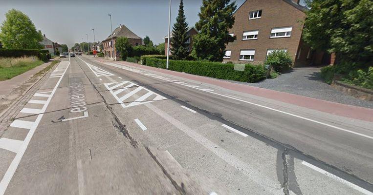 Op de Leuvensesteenweg moet een betonplaat op het middenvak vervangen worden.