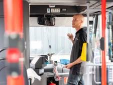 Achterhoeker kan weer voorin de bus instappen: Arriva plaatst kuchschermen