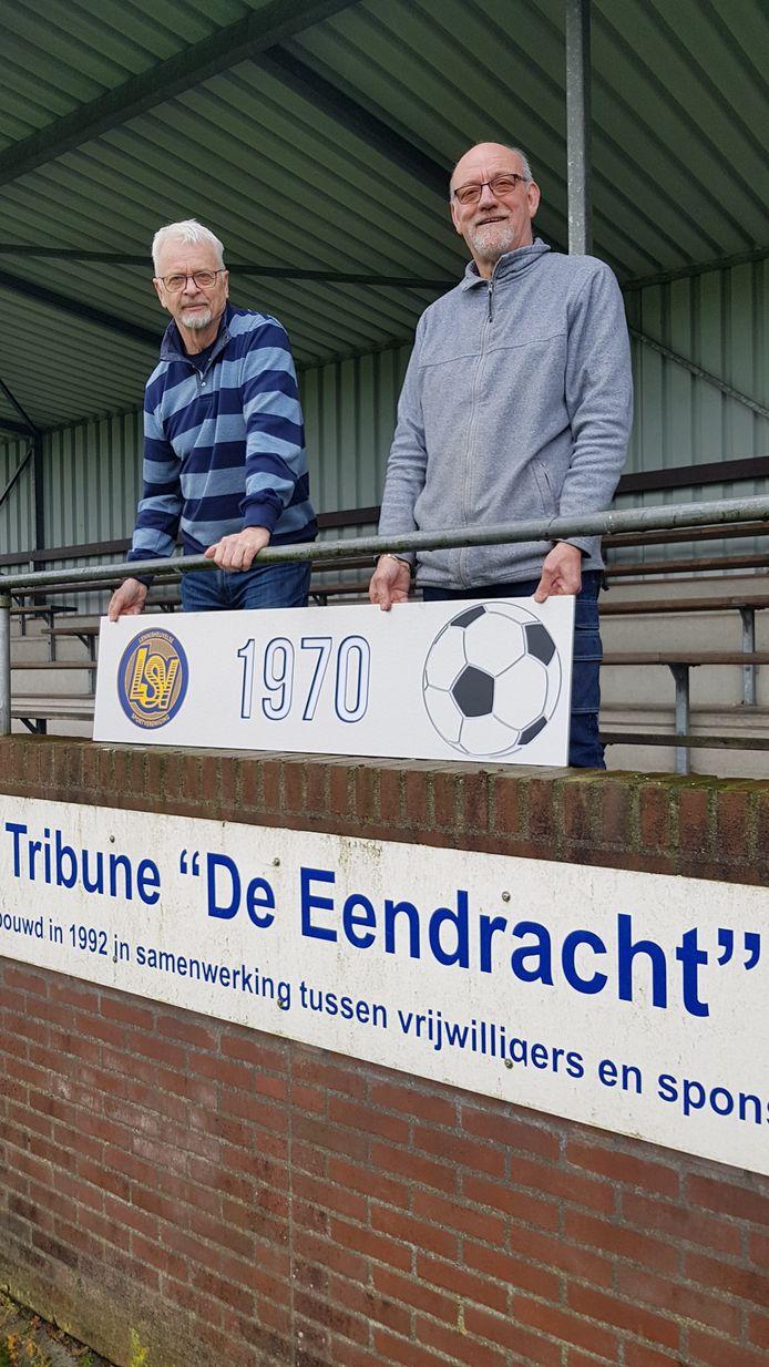 Leo van den Heuvel (rechts) van LSV.