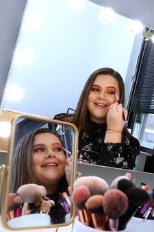 Lisa (13) strijdt om de titel 'beste make-upartiest van Nederland': 'Ik vind mezelf mooi met én zonder make-up'
