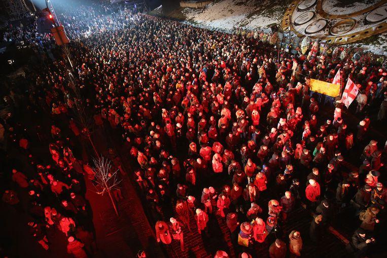 Duizenden mensen herdenken het massaprotest op het Onafhankelijkheidsplein.