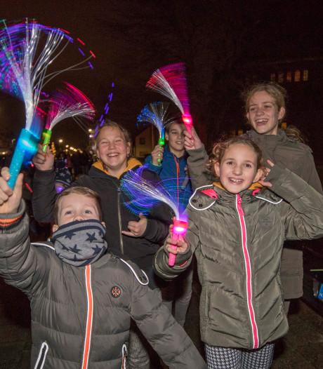 Lichtjes sluiten feestjaar Lewedorp af