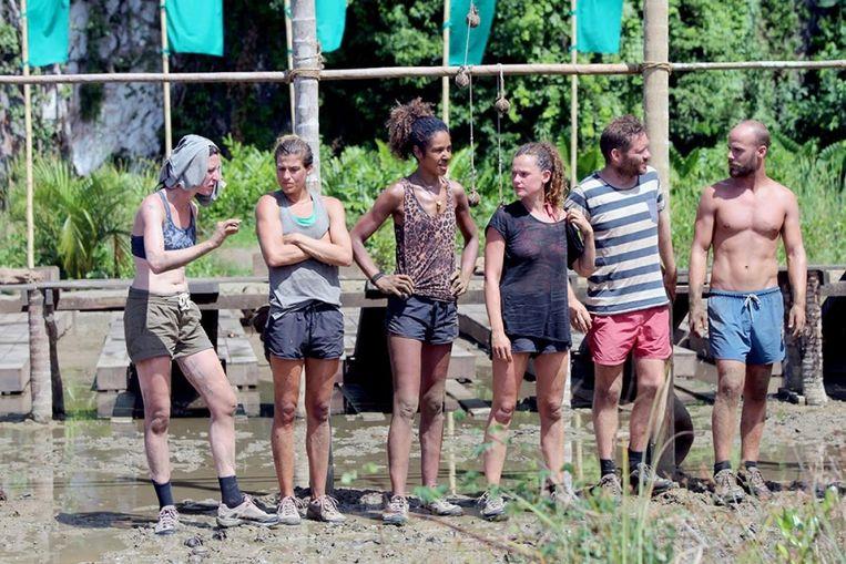 In het zestiende seizoen van Expeditie Robinson zijn nog zes kandidaten in de race. Beeld RTL