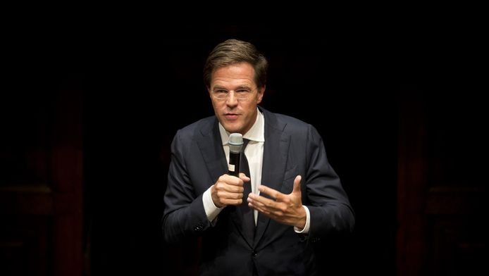 Minister-president Mark Rutte houdt in De Rode Hoed de vijfde H.J. Schoo-lezing. De jaarlijkse lezing markeert het begin van het politieke jaar.