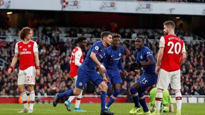 Chelsea in dolle slotfase nog op en over Arsenal na flater Leno en goal Abraham