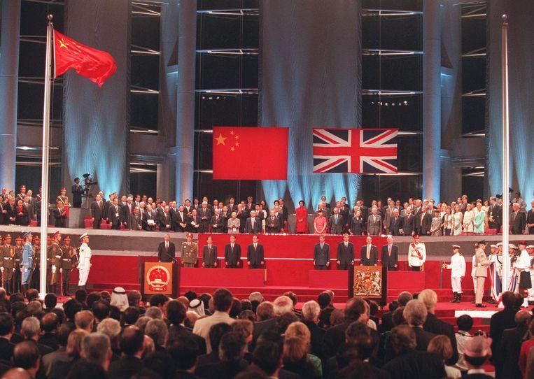 De overdrachtsceremonie in 1997. Beeld afp