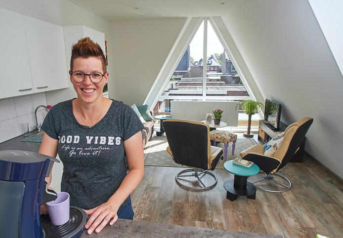 Jessica Hoevenaars is de eerste bewoonster van de uitkijkwoningen in Venhorst.