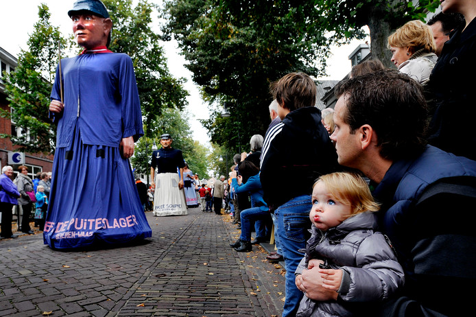 De reuzenoptocht in Oisterwijk in 2010.
