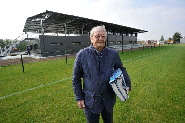 Volgens voorzitter Henri Vandervorst van FC Melsbroek werd een van zijn spelers bij de keel gegrepen.
