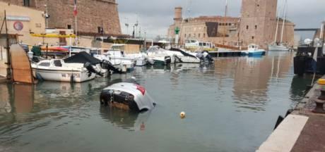 Ils suivent leur GPS et terminent dans le Vieux-Port de Marseille