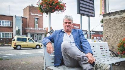 'Burgemeester af' maar toch nog langs de kassa? Oud-burgemeesters Kaprijke en Zelzate krijgen politieke wedde doorbetaald (maar Koen Loete van Eeklo weigert het geld)