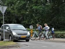 Rotondes Dalfsen: fietsers of auto's voorrang?