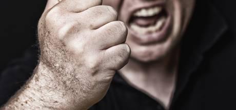Man terroriseert zijn Oosterhoutse buren: scheldkanonnades, bedreigen en 's nachts aanbellen