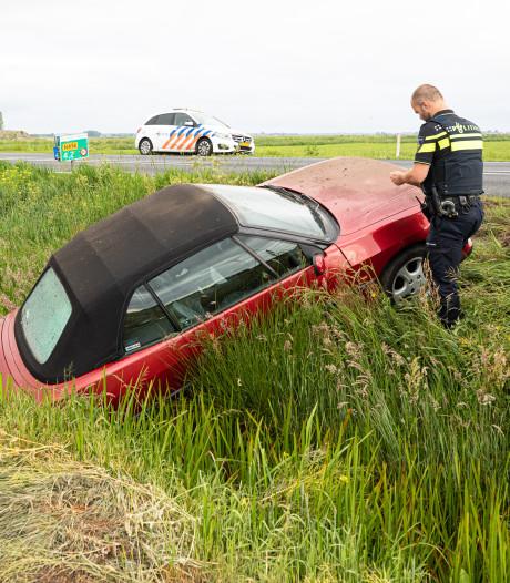 Verlaten auto in sloot gevonden in Bunschoten, bestuurder later opgepakt