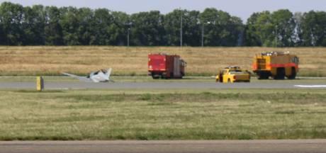 Landen op één wiel en toch weinig schade: dat lukte deze piloot op Luchthaven Lelystad