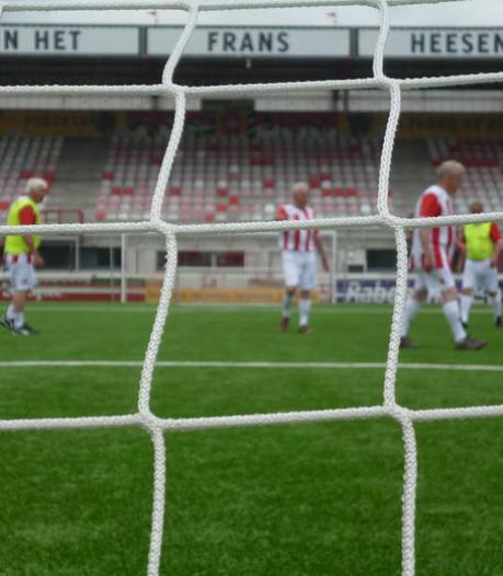 Regionaal walking football-toernooi in Oss op kunstgras van profs