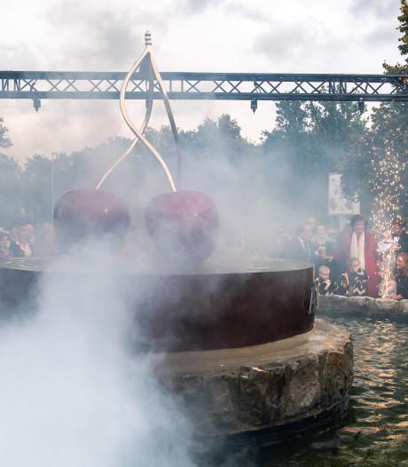 Al 45 jaar een kers op de appelmoes: Van der Valk viert feest