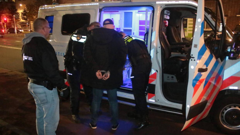2019 Belagers die een bijeenkomst vanKickOut Zwarte Piet in Den Haag met geweld verstoorden, worden opgepakt.  Beeld regio15