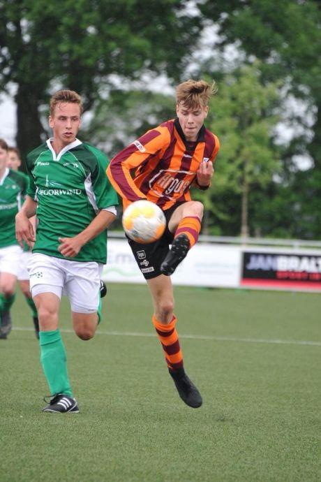 Na Ajax-speler Kudus is Jesse de Vries van FC Zutphen de volgende patiënt bij Twentse knieëndokter