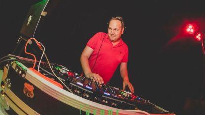 DJ roept collega's op om vanuit woning muziek te draaien