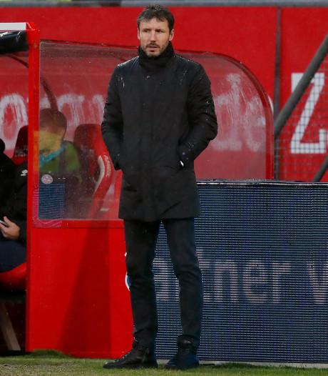 PSV-trainer Mark van Bommel maakt zich geen zorgen: 'Met het punt moeten we tevreden zijn'