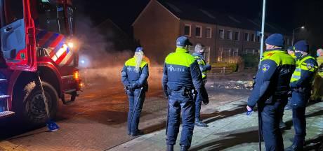 Agent die schoten loste in Wapenveld, haalt woede buurt op de hals: 'Hij richtte z'n wapen op de groep'